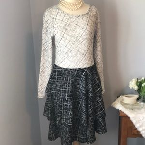 NWT Georgia black and white tiered dress